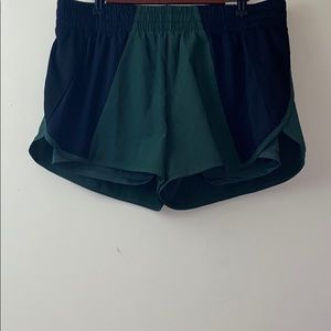 Avia Black and Green Running Shorts Size Large